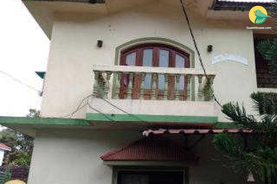 room in Sinquerim