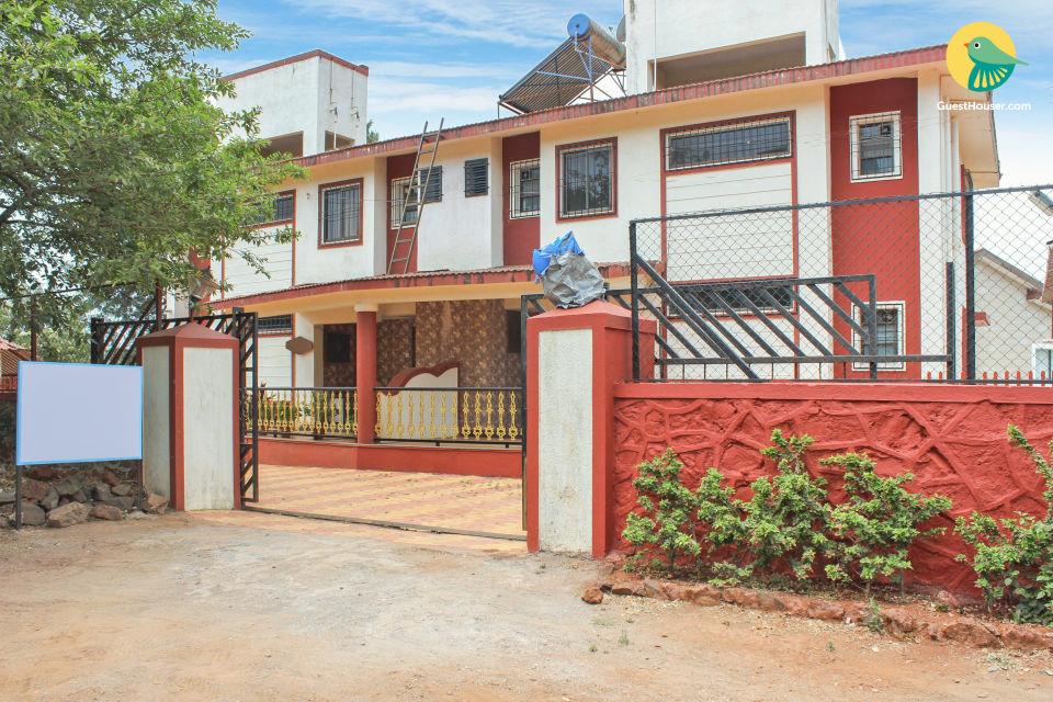 Lavish 3-BR villa for 12