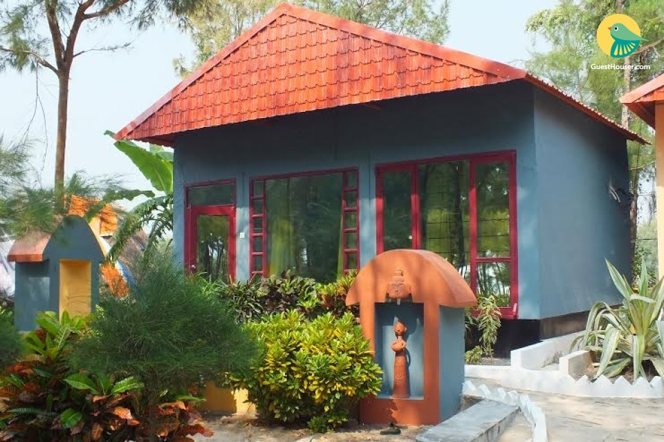 Vibrant cottage for 3, ideal for leisure travellers