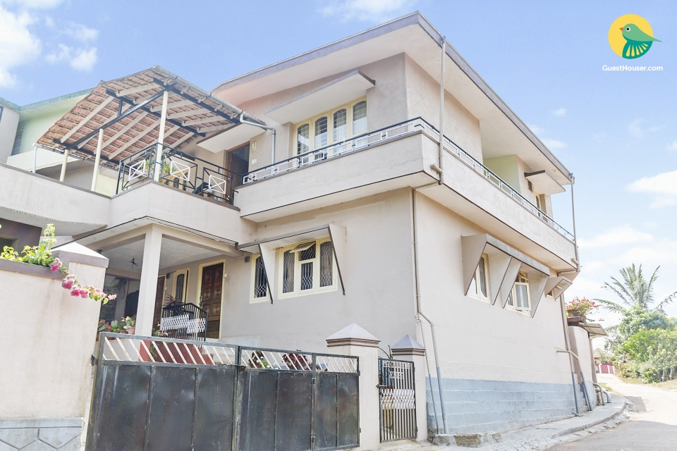 Well-appointed 2-BR villa, 1 km from Madikeri Fort