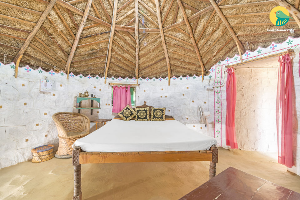 Rustic cottage room, ideal for backpackers