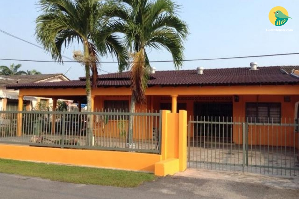 5 Bedroom homestay available