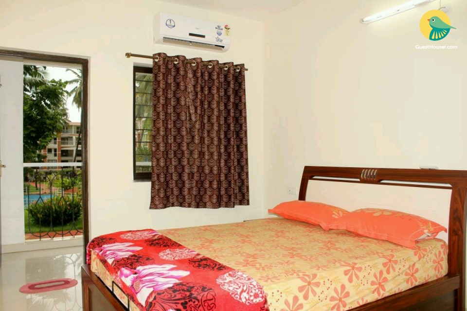 Contemporary 2 BHK for 6, 1.6 km from Candolim beach