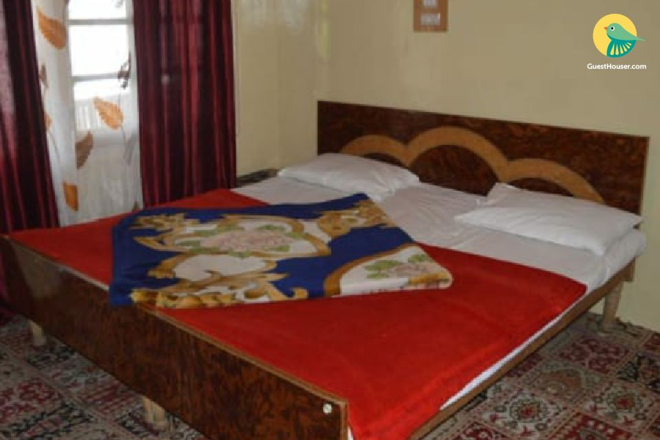 Cosy stay for backpackers in a guest house