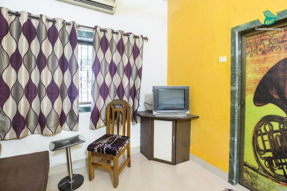 Cheerful stay for three, 3 km from Anjuna beach
