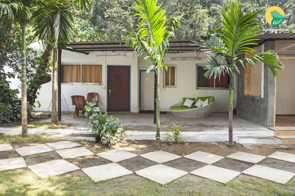 Peaceful abode for three, 1.9 km from Vagator Beach