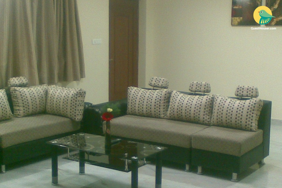 Exquisitely furnished 3 bedroom apartment
