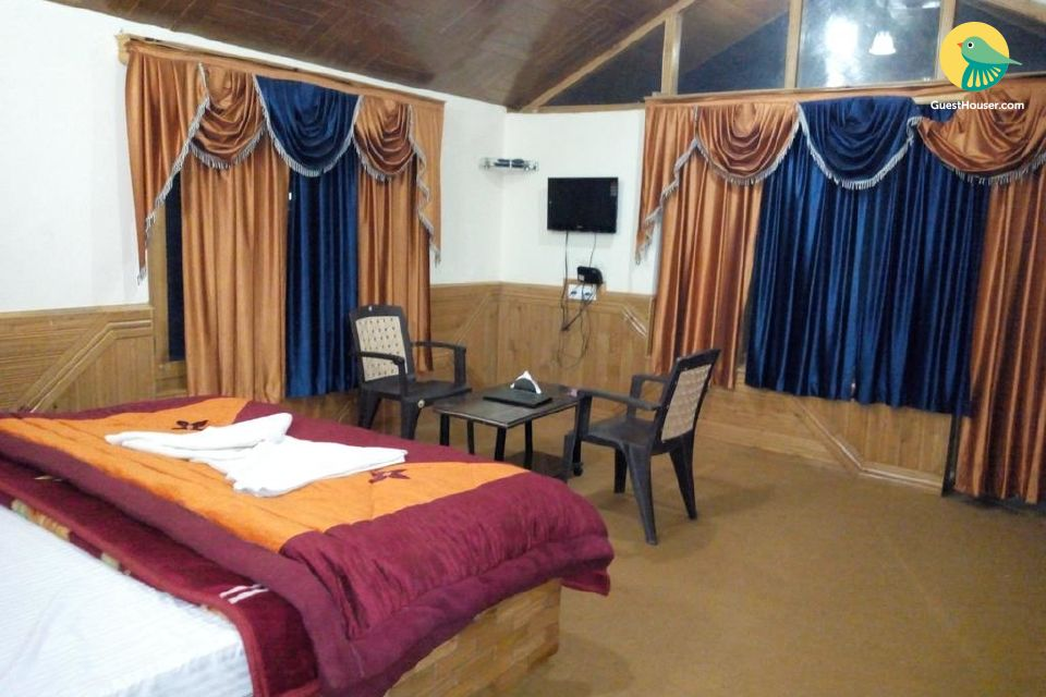 Spacious Private Stay In Manali