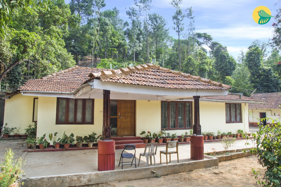 Comfy 2-BR homestay for nature lovers, 2.7 km from Madikeri Fort