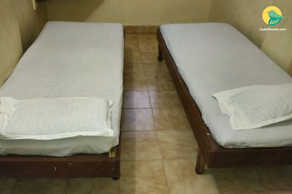 Simple room for 2