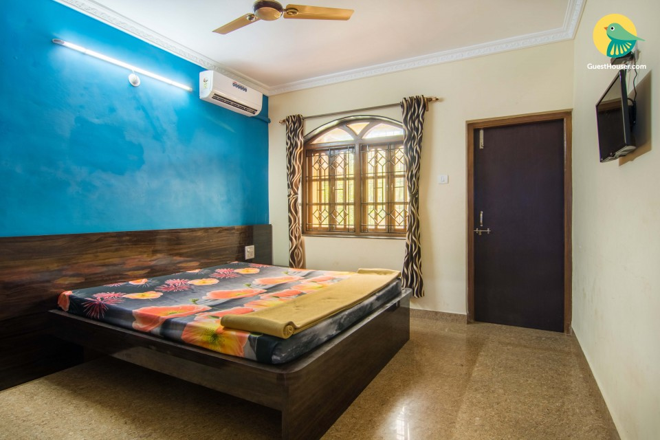 Commodious room for three, near Calangute Beach