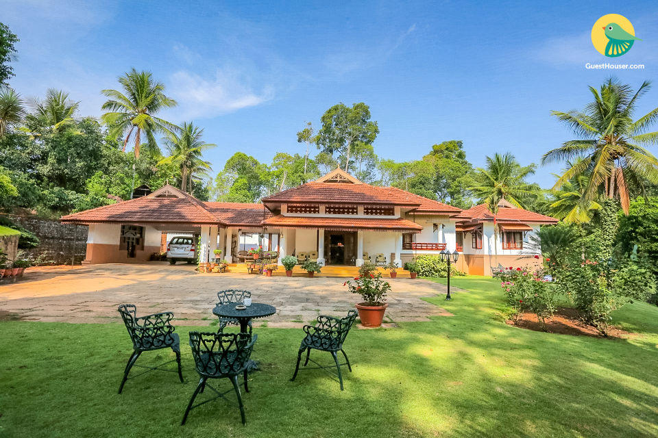 Traditional homestay with a sprawling garden