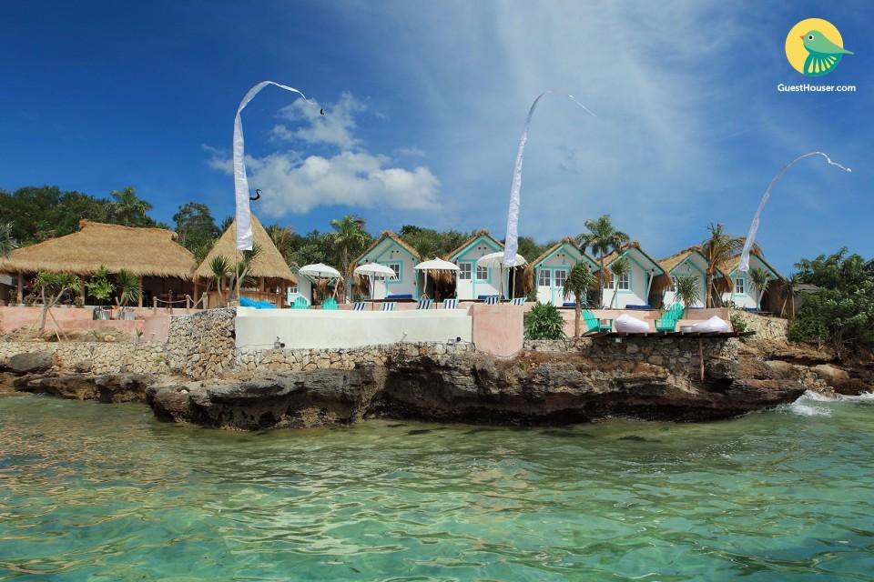 Spacious 10 bedroom beach club for a fun vacation