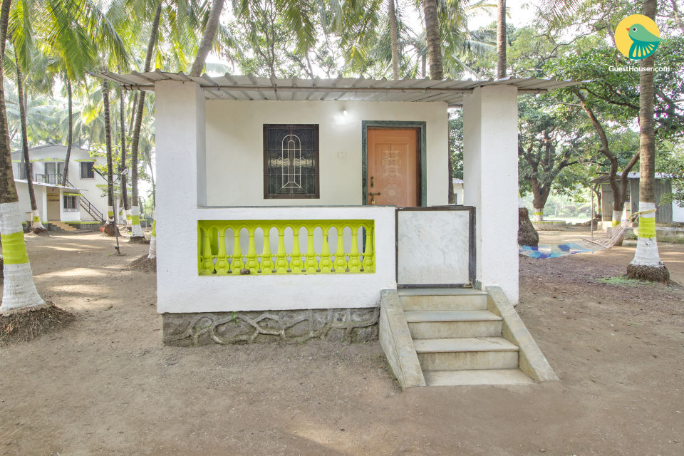 Comfy cottage near varsoli beach