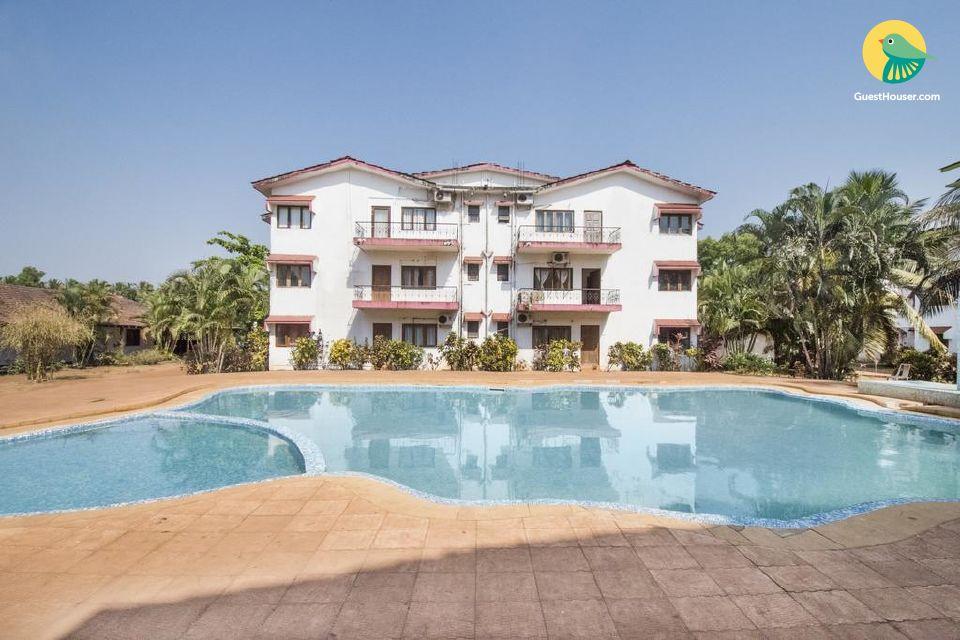 1 BHK with a shared pool, near Calangute Beach