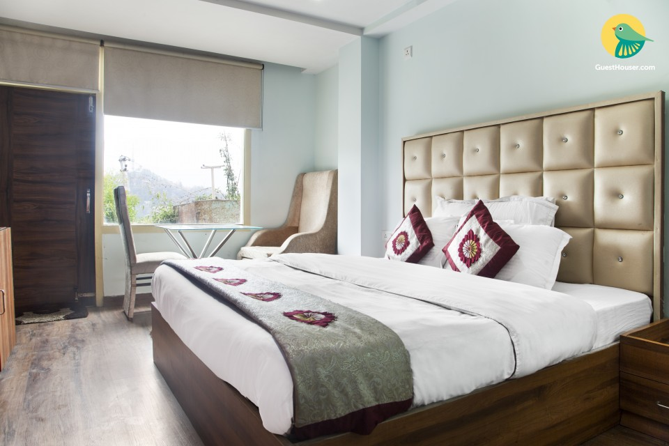 Cheerful stay for a couple, close to Christ Church