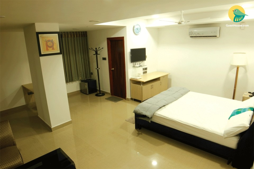 Exquisitely furnished room with every comfort and luxury