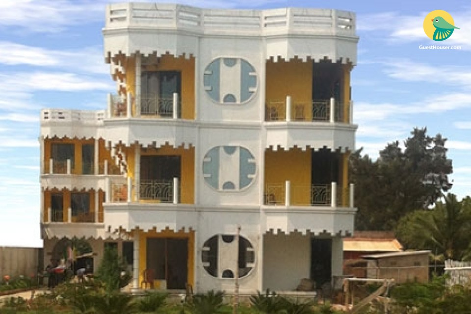 Pleasant guesthouse room, near Mandarmoni Beach