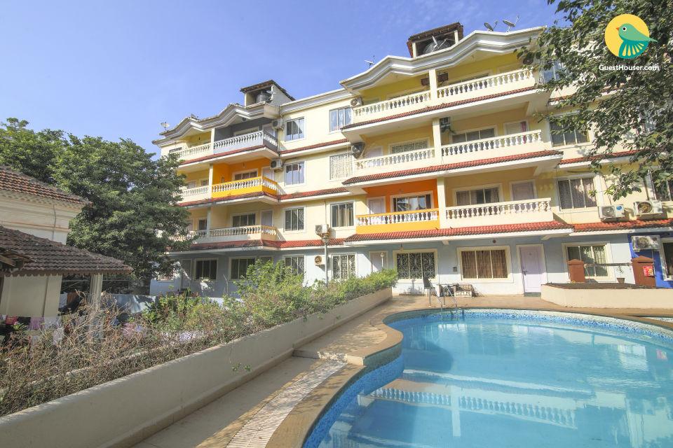 Spacious 1 BHK with a pool, near Anjuna Beach