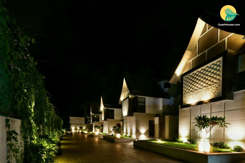 Aesthically pleasing 4BHK villa, 1.1 km from Coco beach