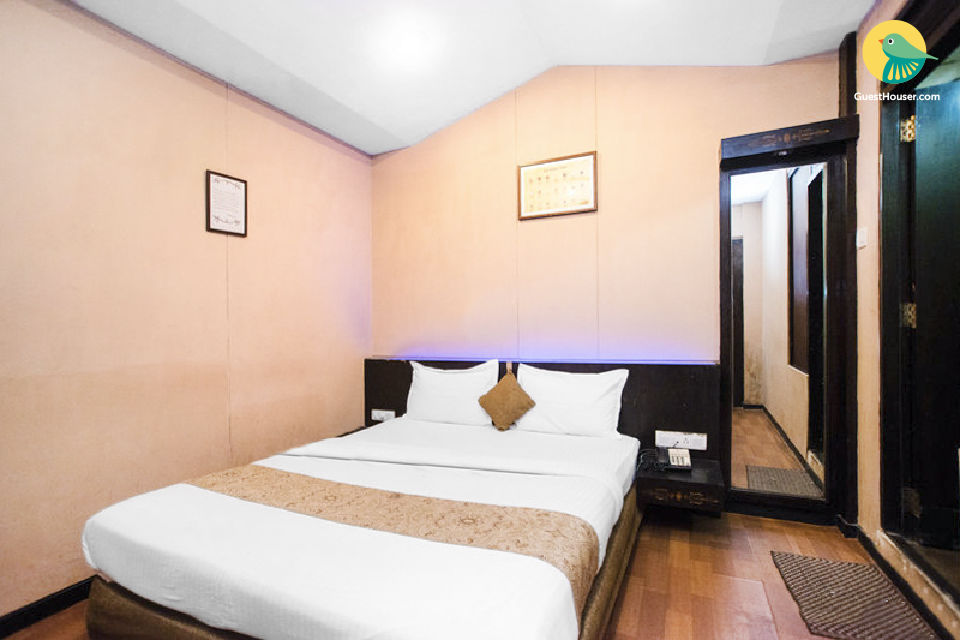 Private room near Juhu Beach