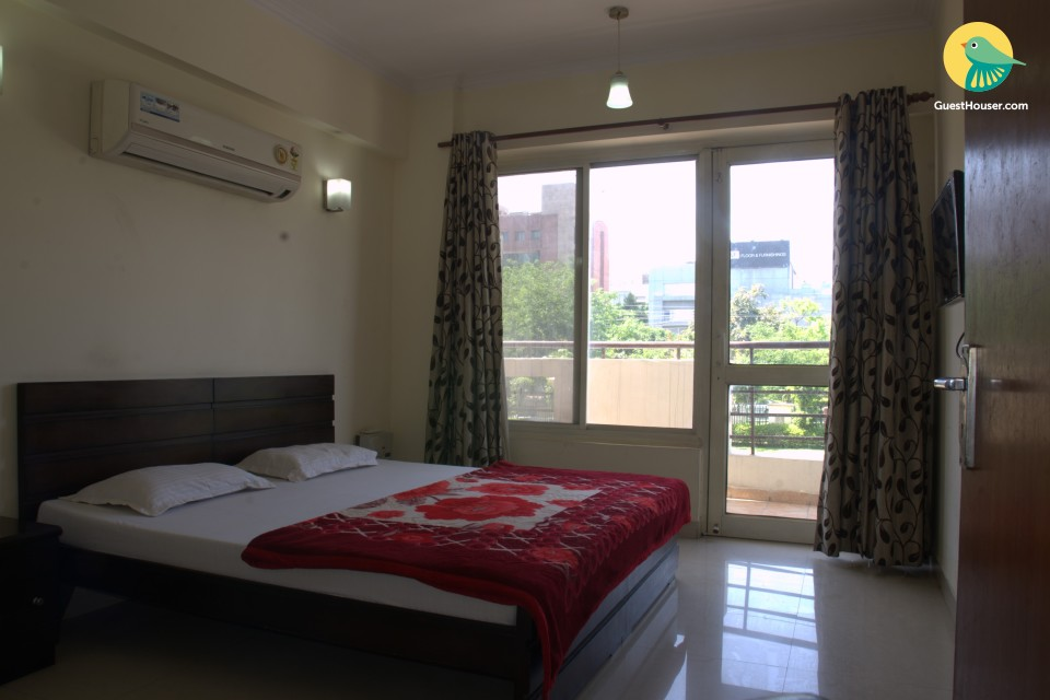 Well-appointed 4 BHK, ideal for business trips