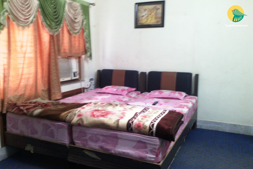 Private ac room to stay