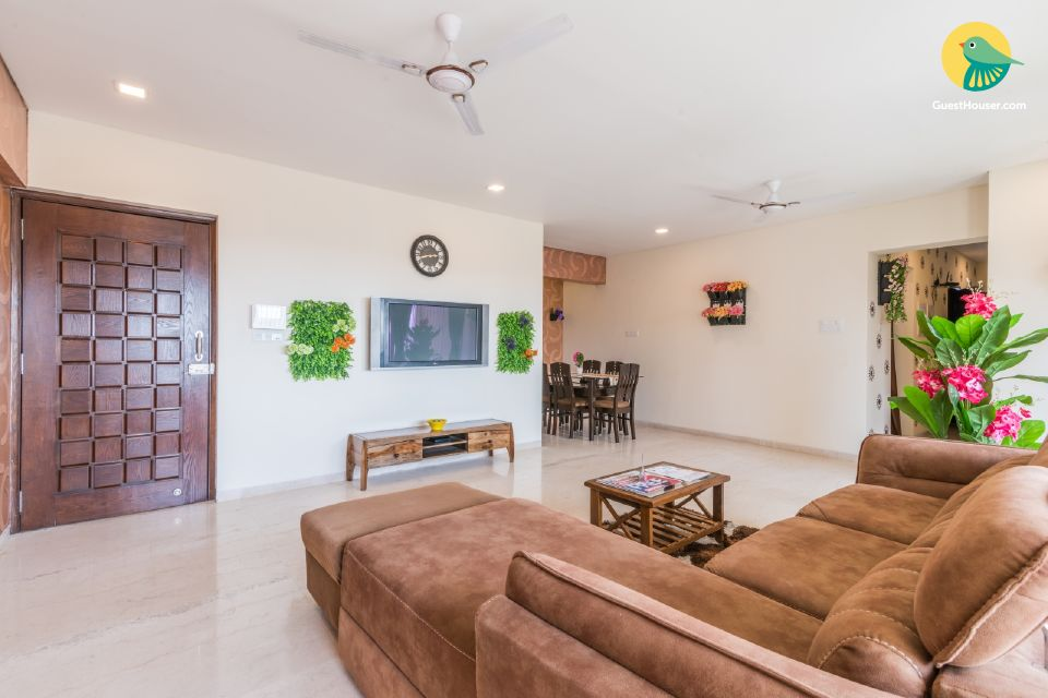 Stylish 3 BHK with complimentary breakfast