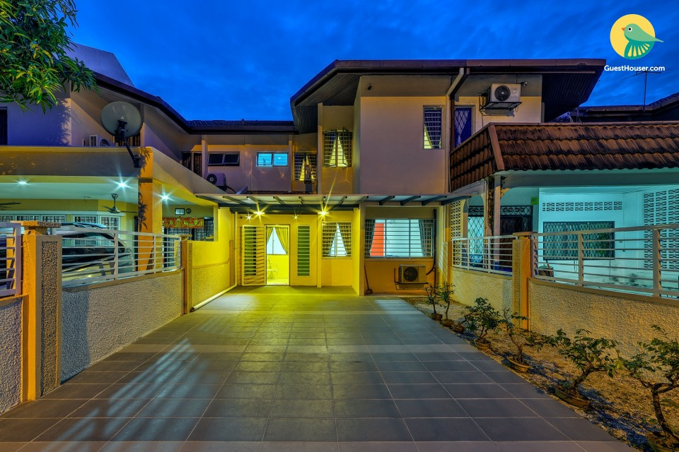 Luxurious 4 bedroom Villa With all modern facility