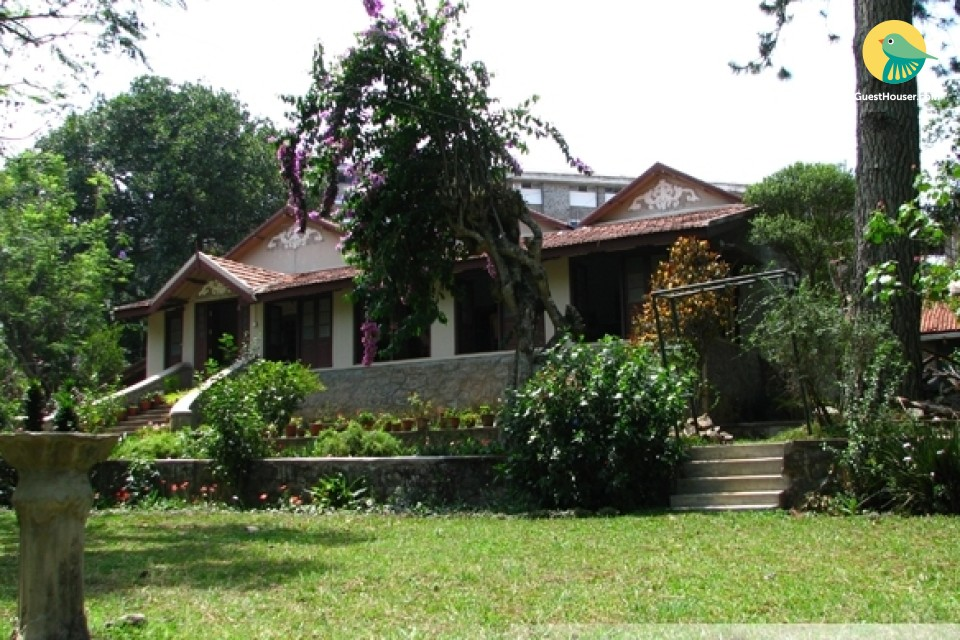 3BR Palatial Old-Fashioned Bungalow