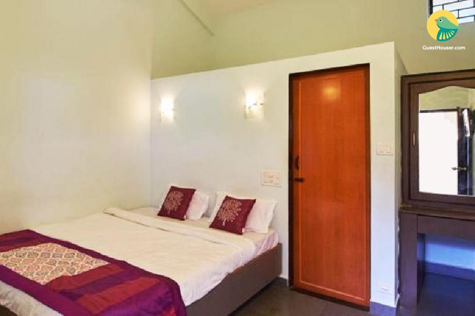 Portuguese-style homestay for 3, near Vagator Beach