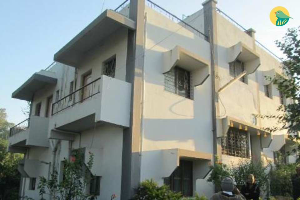 6-BR boutique stay for 18