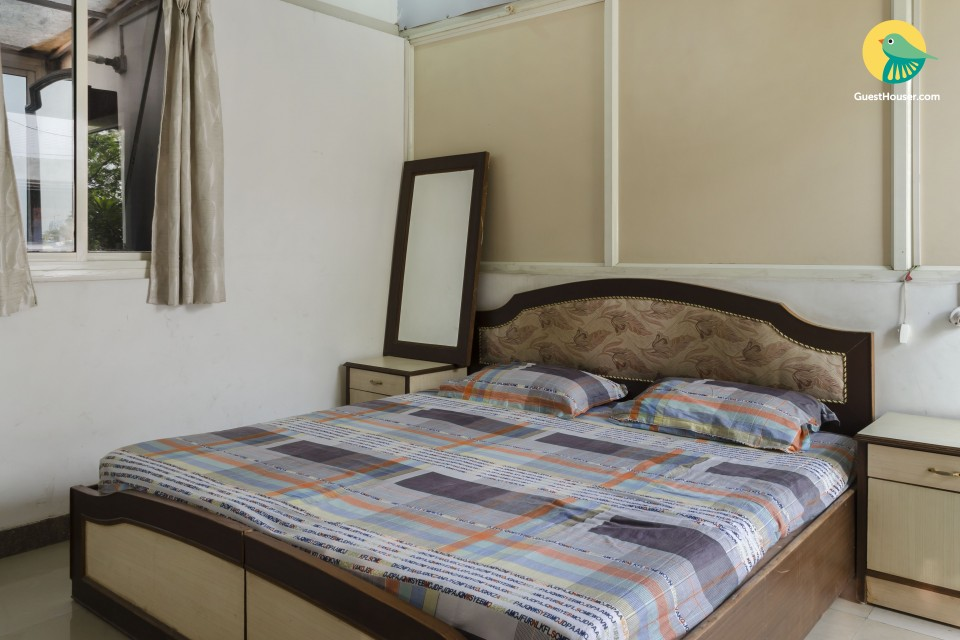 Tastefully furnished one bedroom studio apartment